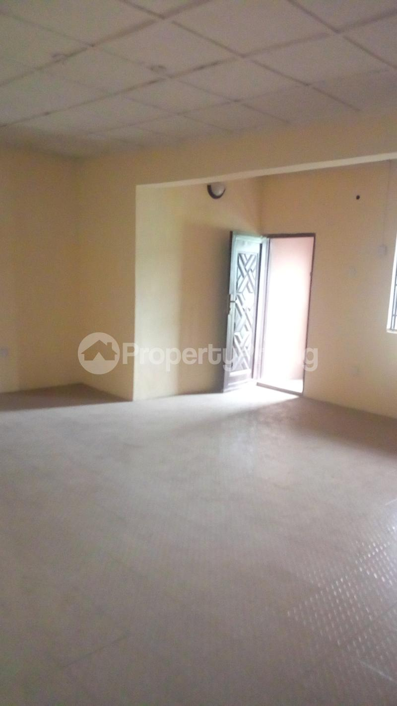 3 bedroom Flat / Apartment for rent Medina Estate Atunrase Medina Gbagada Lagos - 3