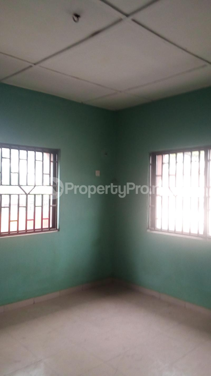 3 bedroom Flat / Apartment for rent Medina Estate Atunrase Medina Gbagada Lagos - 4