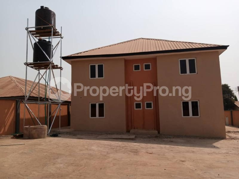 3 bedroom Blocks of Flats House for sale Reservoir area, Tanke tipper garage ilorin Ilorin Kwara - 1