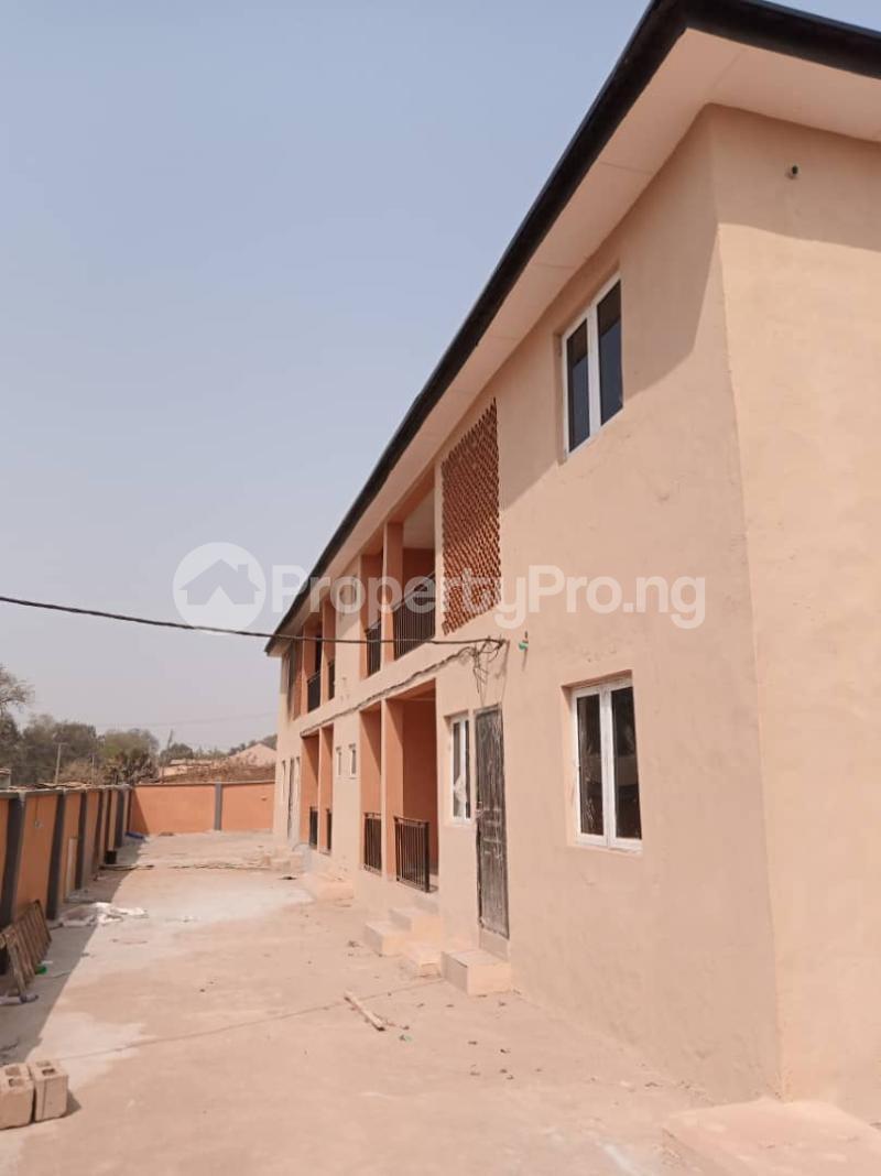 3 bedroom Blocks of Flats House for sale Reservoir area, Tanke tipper garage ilorin Ilorin Kwara - 0