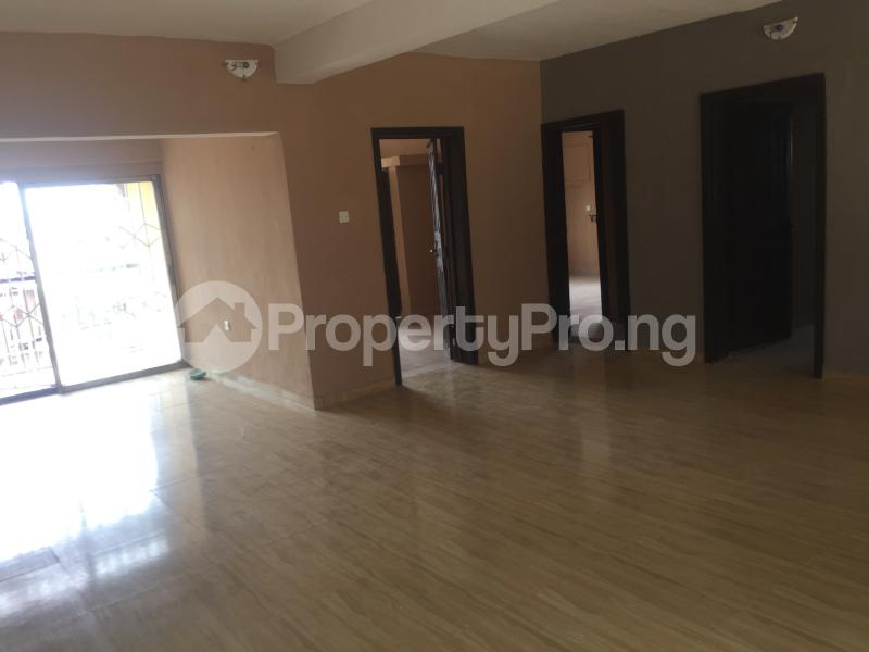 3 bedroom Flat / Apartment for rent Modupe Fola Agoro Yaba Lagos - 3