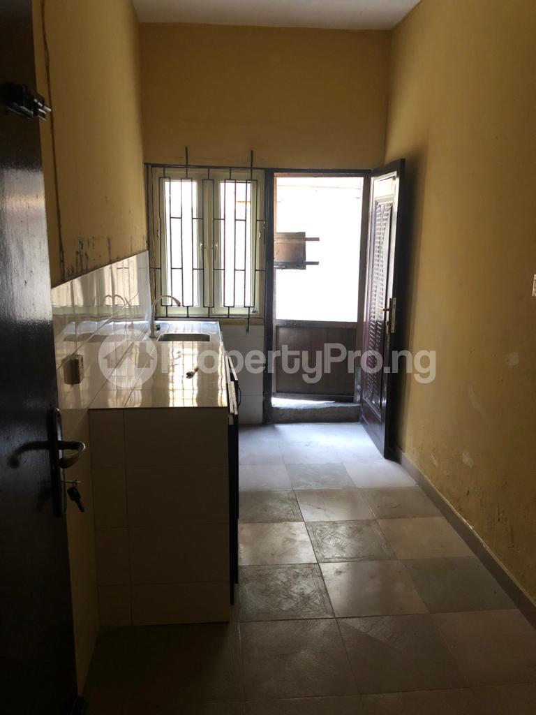 3 bedroom Flat / Apartment for rent Off Pedro Road Obanikoro Shomolu Lagos - 10