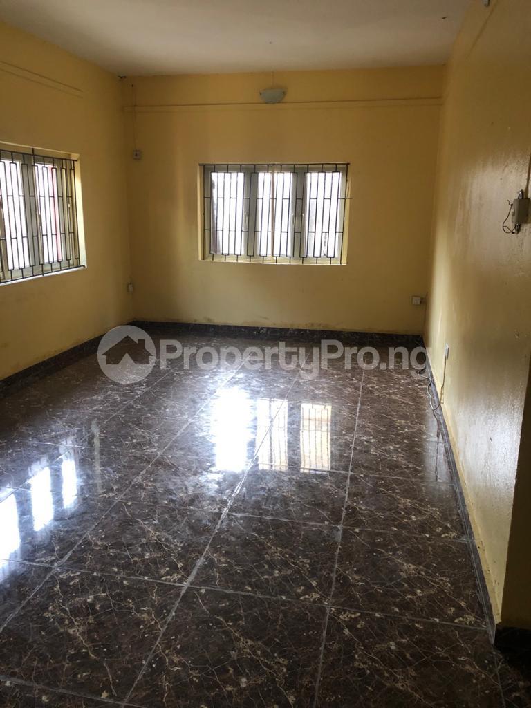 3 bedroom Flat / Apartment for rent Off Pedro Road Obanikoro Shomolu Lagos - 5