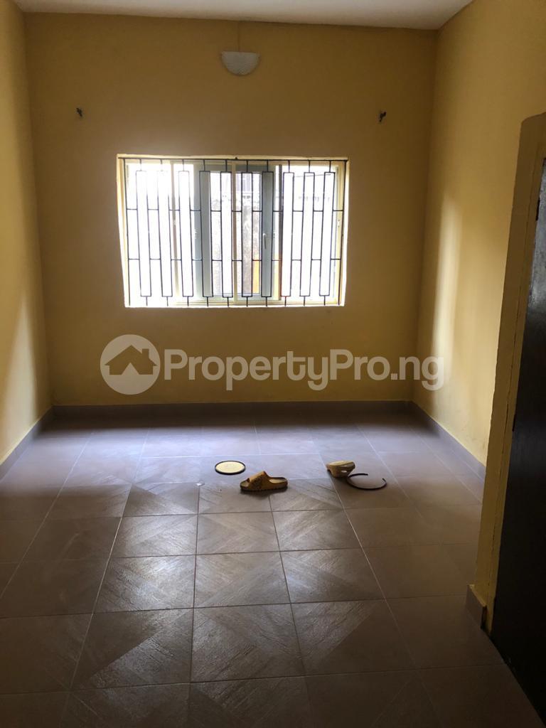 3 bedroom Flat / Apartment for rent Off Pedro Road Obanikoro Shomolu Lagos - 9