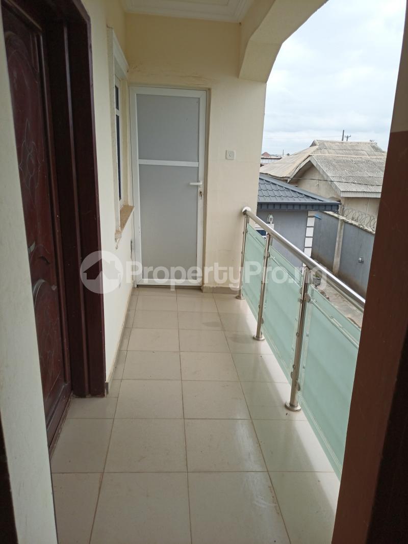 2 bedroom Flat / Apartment for rent Ayetoro Ogun State Close To Ayobo Lagos Ado Odo/Ota Ogun - 5