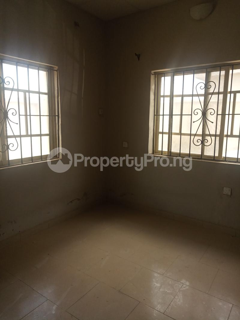 2 bedroom Flat / Apartment for rent Erunwen iwelumon street by Balogun  Ikorodu Ikorodu Lagos - 9