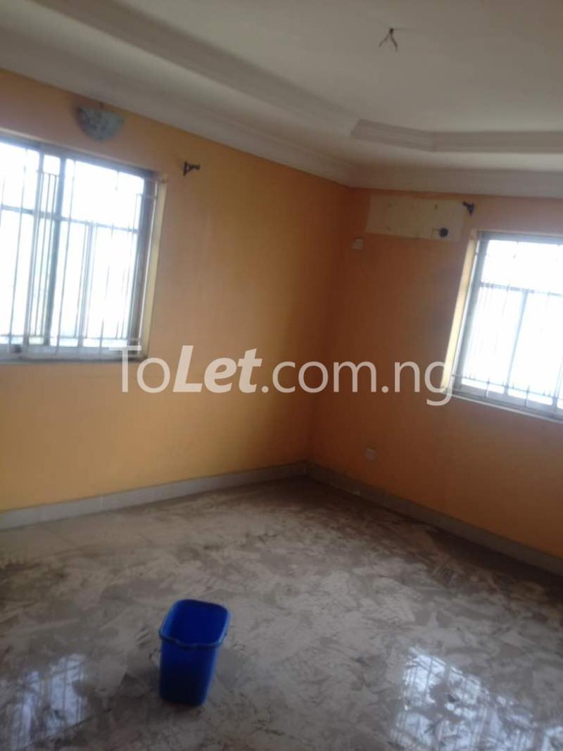 Flat / Apartment for rent Soleye Crescent  Ogunlana Surulere Lagos - 1
