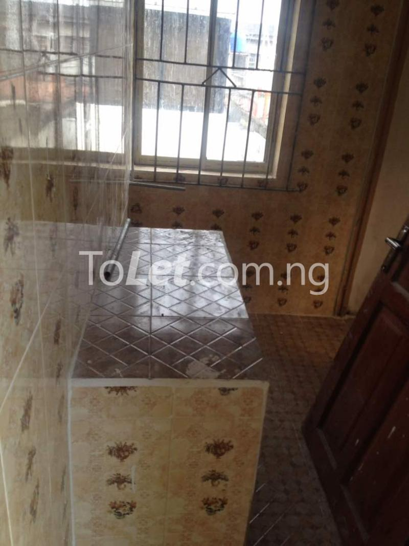 Flat / Apartment for rent Soleye Crescent  Ogunlana Surulere Lagos - 3