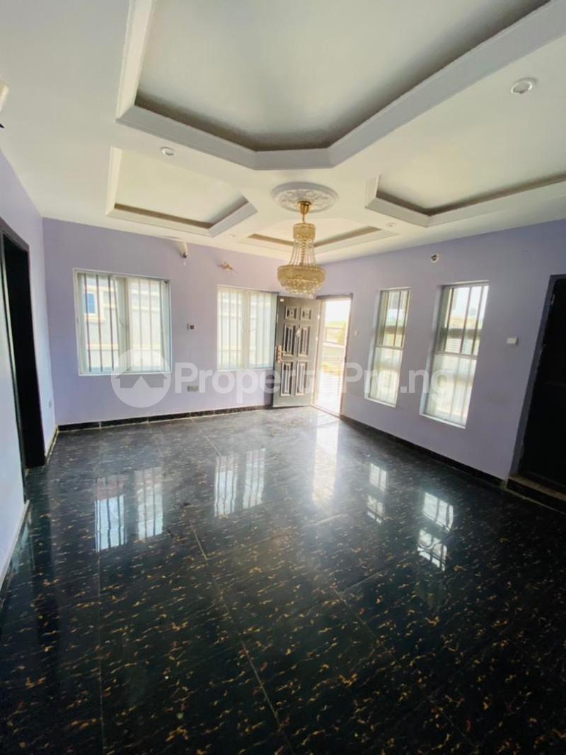 3 bedroom Semi Detached Bungalow for sale Loto Mowe Obafemi Owode Ogun - 2