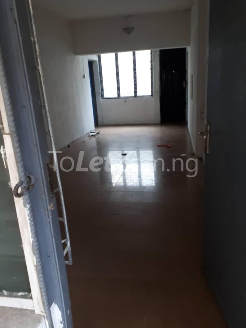3 bedroom Flat / Apartment for rent Off sura mogaji Coker Road Ilupeju Lagos - 7