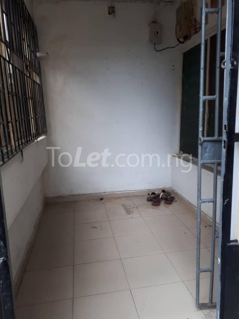 3 bedroom Flat / Apartment for rent Off sura mogaji Coker Road Ilupeju Lagos - 8