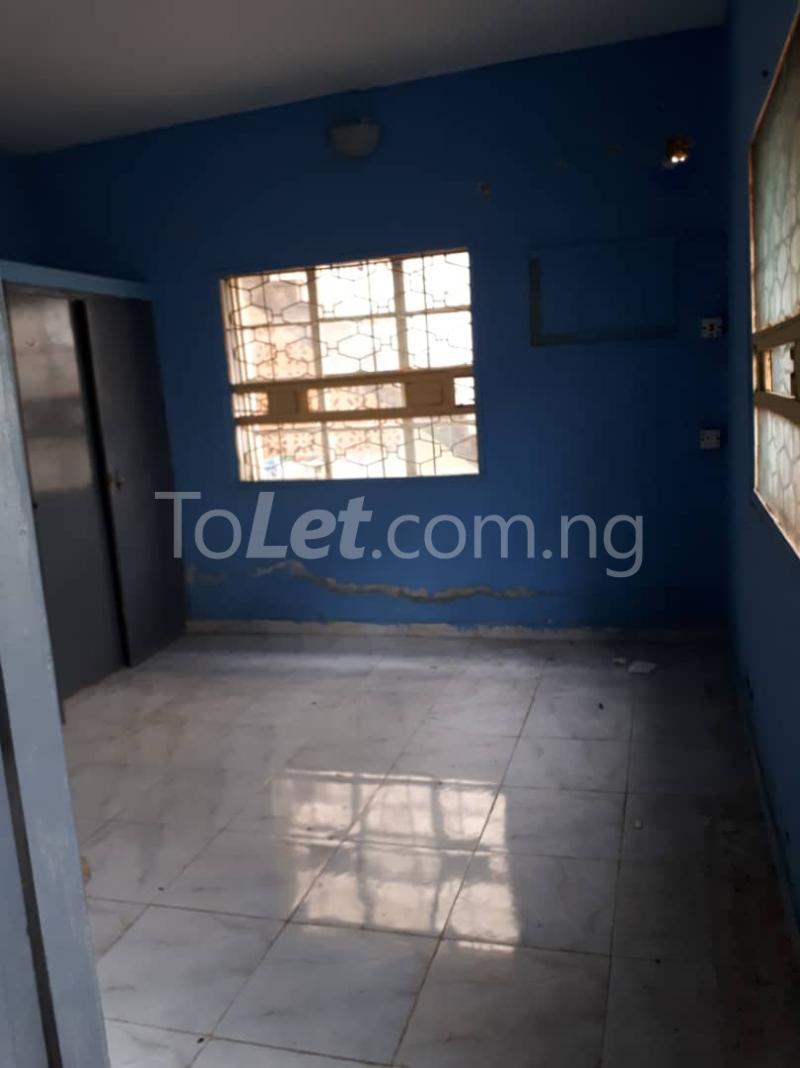 3 bedroom Flat / Apartment for rent Off sura mogaji Coker Road Ilupeju Lagos - 3