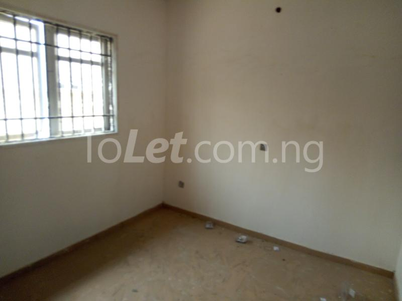 3 bedroom Flat / Apartment for rent Modupe street off Fola Agoro  Shomolu Shomolu Lagos - 3