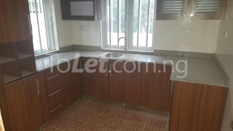 3 bedroom Flat / Apartment for rent Modupe street off Fola Agoro  Shomolu Shomolu Lagos - 4