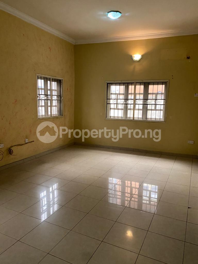 4 bedroom Flat / Apartment for rent Atunrase Medina Gbagada Lagos - 1