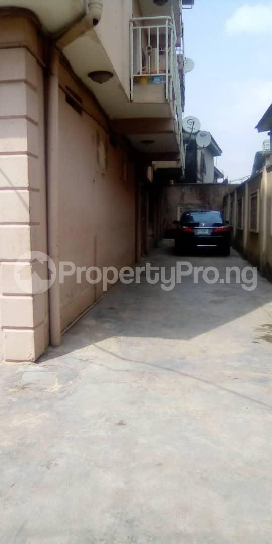 3 bedroom Blocks of Flats House for rent Egberongbe street, tarred road off Pedro rd Gbagada Lagos - 7