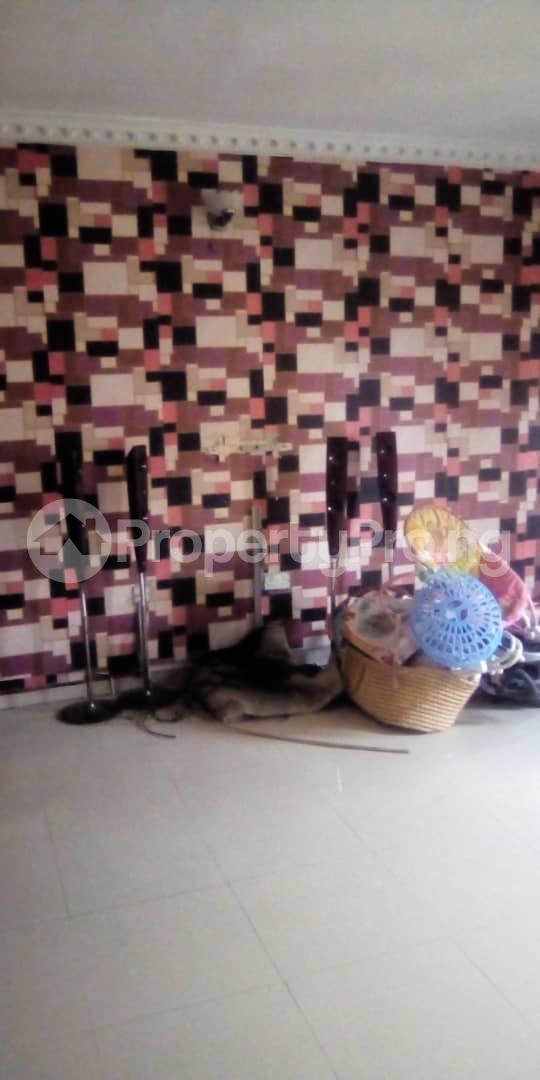 3 bedroom Blocks of Flats House for rent Egberongbe street, tarred road off Pedro rd Gbagada Lagos - 5