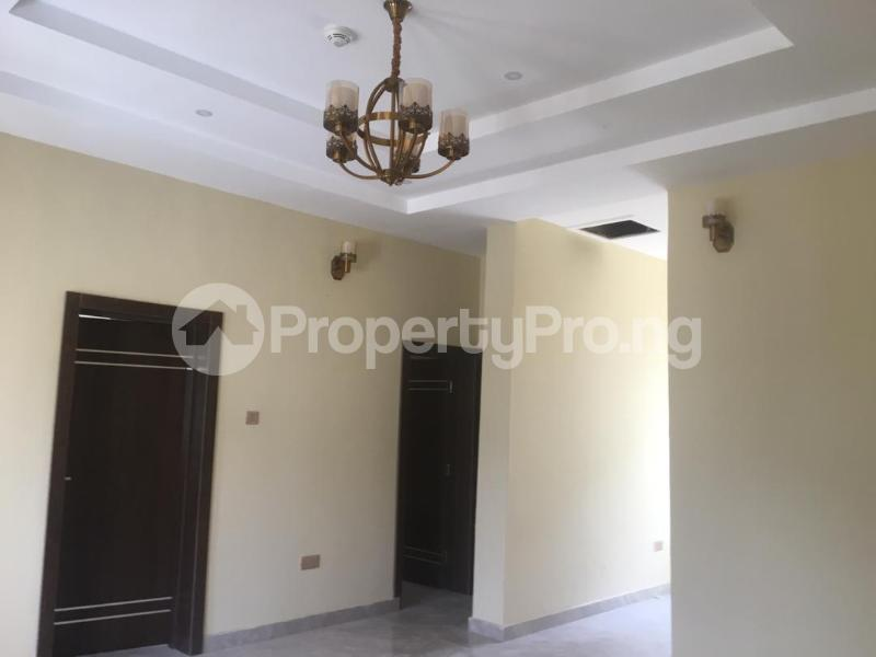 2 bedroom Blocks of Flats House for rent Right hand side, by pinnacle filling station Lekki Phase 1 Lekki Lagos - 2