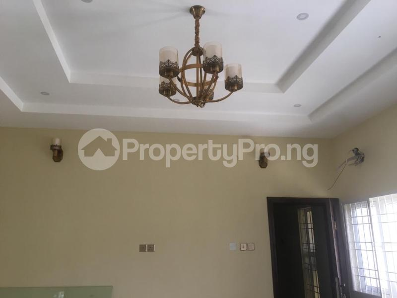 2 bedroom Blocks of Flats House for rent Right hand side, by pinnacle filling station Lekki Phase 1 Lekki Lagos - 1