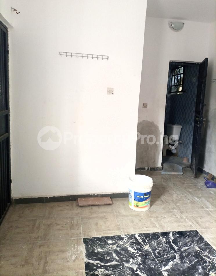 Self Contain for rent Serene And Secure Environment Ologolo Lekki Ologolo Lekki Lagos - 6