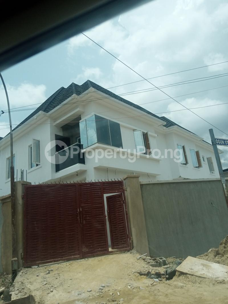 4 bedroom Flat / Apartment for sale Adelabu Surulere Lagos - 0