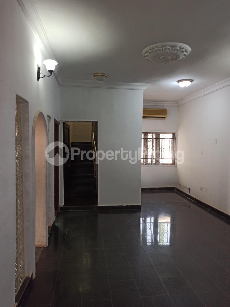 6 bedroom Detached Duplex House for sale Gwarinpa Abuja - 3