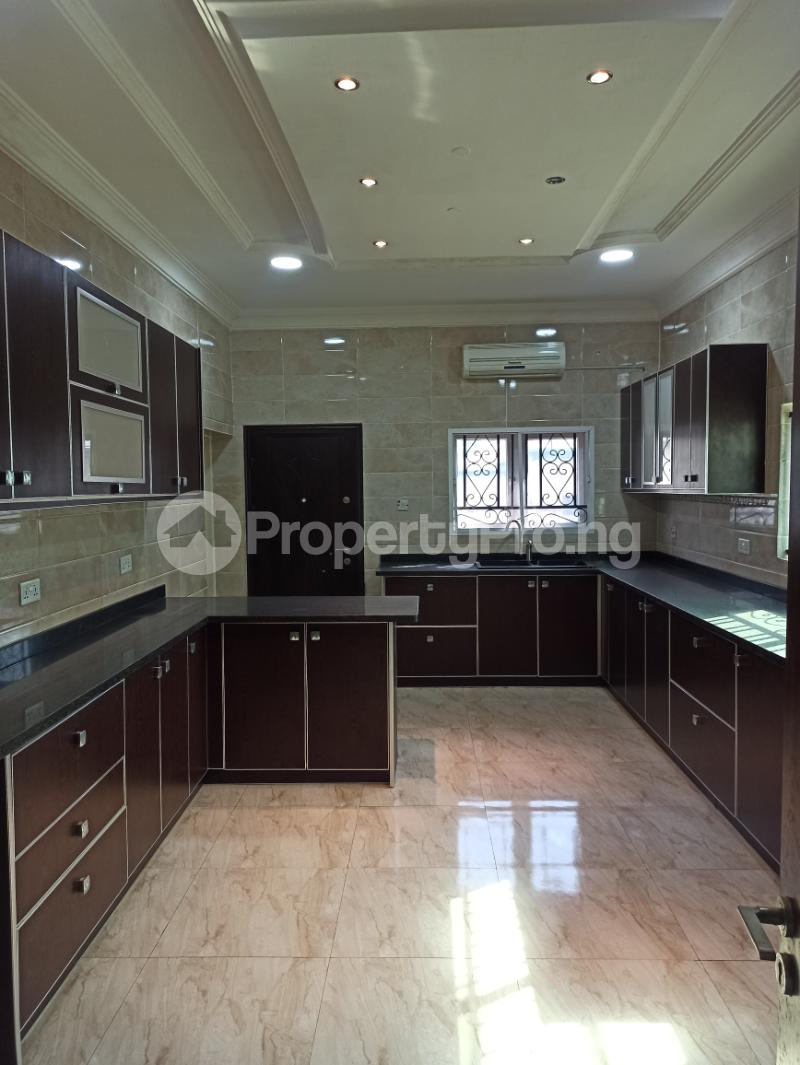 6 bedroom Detached Duplex House for sale Gwarinpa Abuja - 15