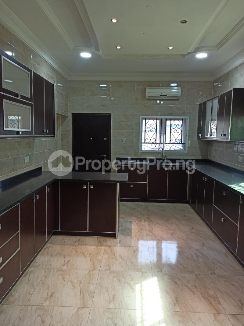 6 bedroom Detached Duplex House for sale Gwarinpa Abuja - 17