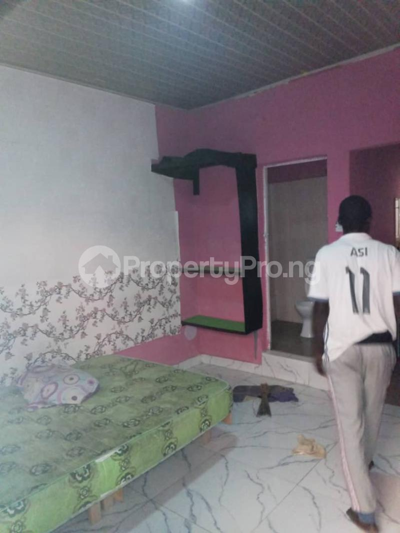 1 bedroom mini flat  Self Contain Flat / Apartment for rent Abuleoja, yaba Abule-Oja Yaba Lagos - 4
