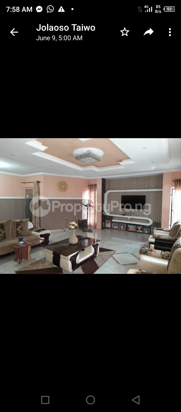3 bedroom Detached Bungalow for sale Olodo Bank Ibadan Iwo Rd Ibadan Oyo - 3