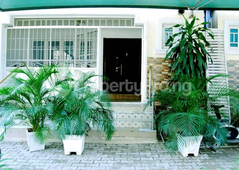 4 bedroom Shared Apartment Flat / Apartment for shortlet Odabi Street, by Hollywood Building, After Ministry of Works and Housing, Mabushi Abuja Mabushi Abuja - 1