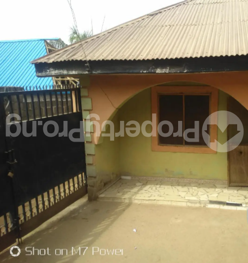 2 bedroom Detached Bungalow House for sale After a small market at Aso road Karu Nassarawa - 1