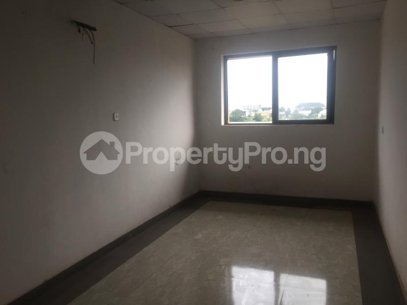1 bedroom Office Space for rent Dbs Road Asaba Delta - 4