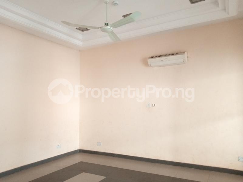 Office Space for rent Nnebisi Opposit Lion House Asaba Delta - 7