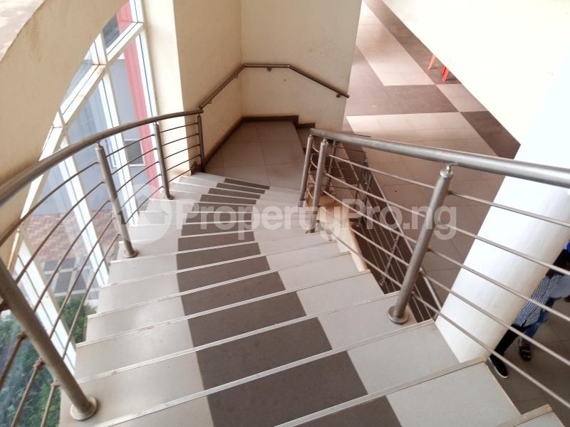 Office Space for rent Nnebisi Opposit Lion House Asaba Delta - 3