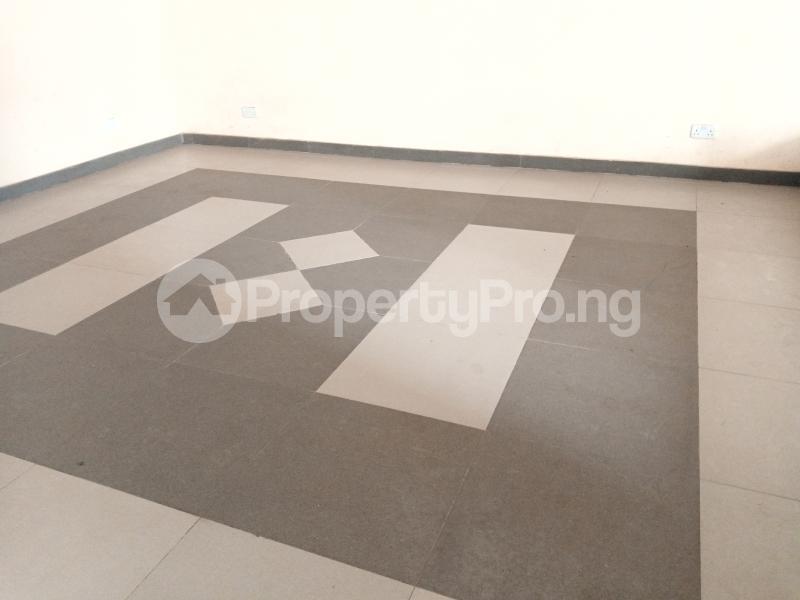 Office Space for rent Nnebisi Opposit Lion House Asaba Delta - 6