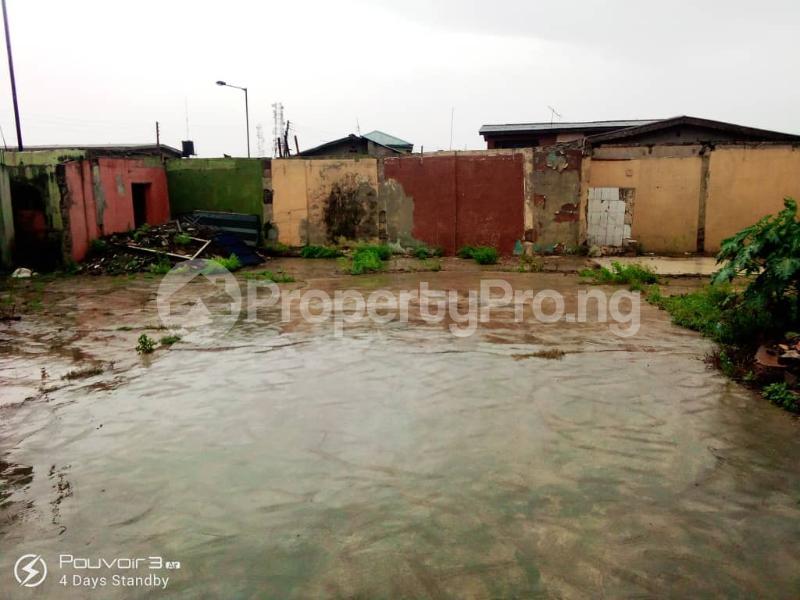 Blocks of Flats for sale Off Vulcaniser Bus Stop, Akowonjo Road Akowonjo Alimosho Lagos - 2
