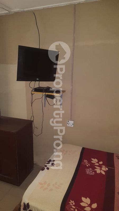 1 bedroom mini flat  Self Contain Flat / Apartment for rent 28 Moore road off University road Yaba  Yaba Lagos - 0
