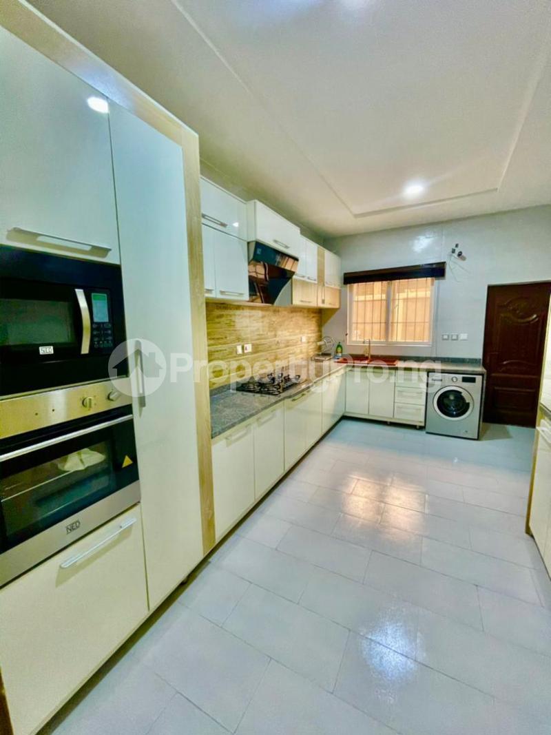 4 bedroom Detached Duplex for shortlet Chevron chevron Lekki Lagos - 7