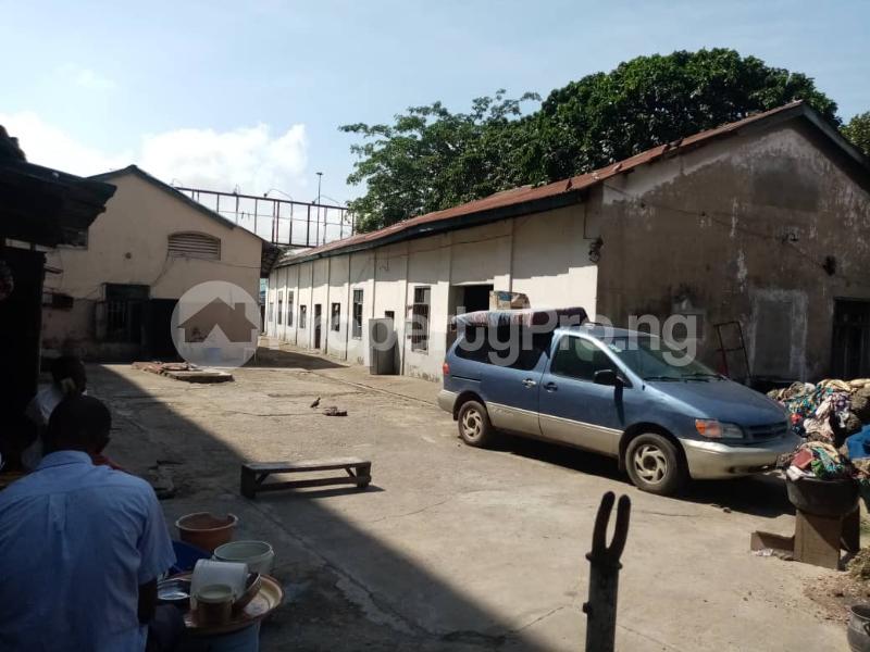 Warehouse for sale Elegbata Apongbon Lagos Island Lagos - 4