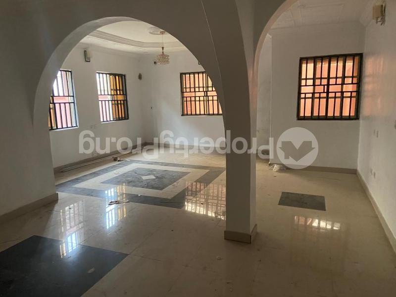 3 bedroom Shared Apartment Flat / Apartment for rent Atunrase Medina Gbagada Lagos - 2