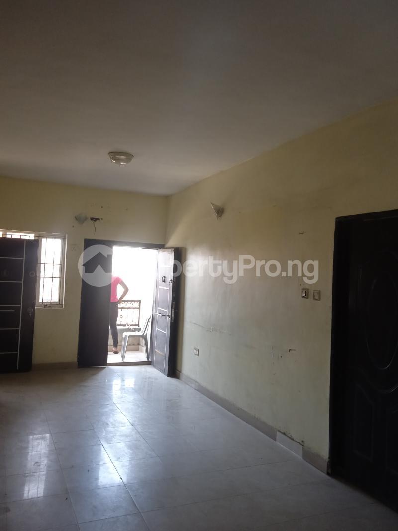 3 bedroom Flat / Apartment for rent Olaide Kilo-Marsha Surulere Lagos - 4