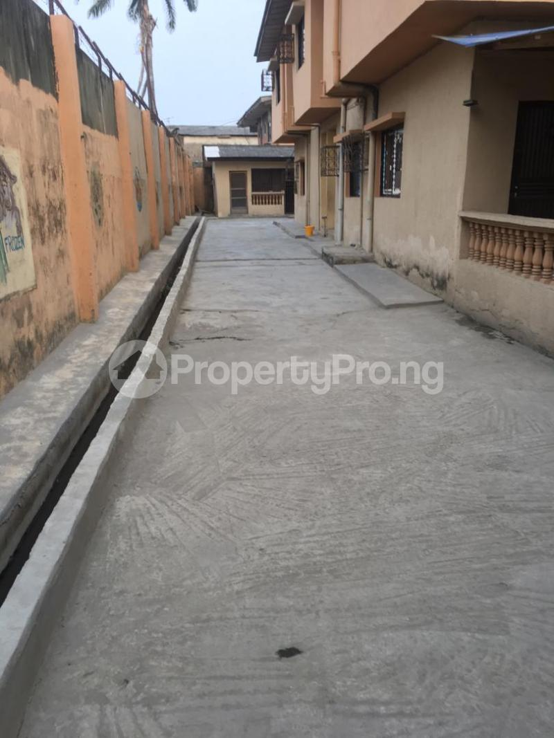 5 bedroom Blocks of Flats House for sale ---- Satellite Town Amuwo Odofin Lagos - 4