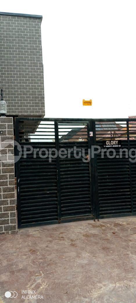 3 bedroom Flat / Apartment for rent Glory Estate Ifako-gbagada Gbagada Lagos - 3