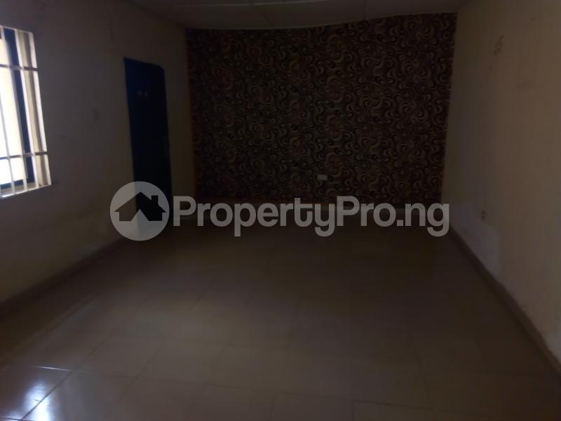 2 bedroom Blocks of Flats House for rent   Egbeda Alimosho Lagos - 4
