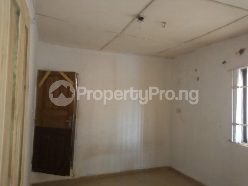 2 bedroom Blocks of Flats House for rent   Egbeda Alimosho Lagos - 7