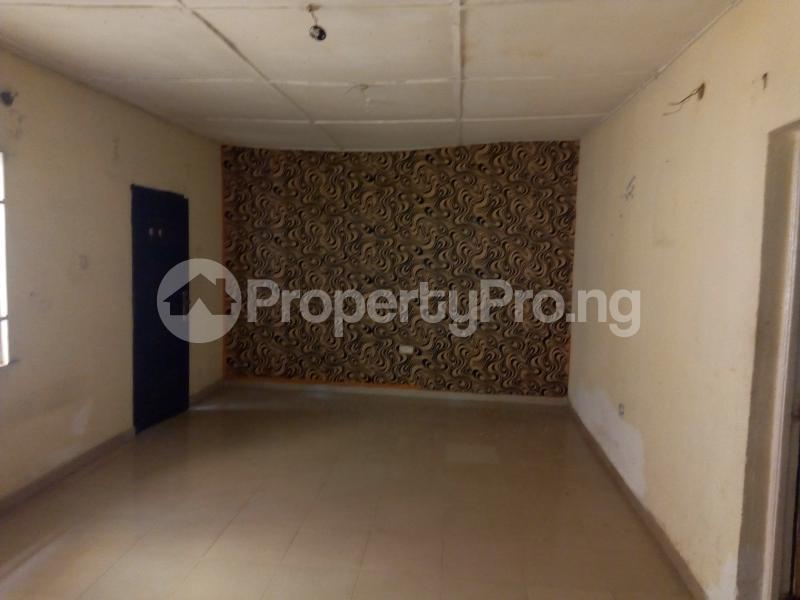 2 bedroom Blocks of Flats House for rent   Egbeda Alimosho Lagos - 5