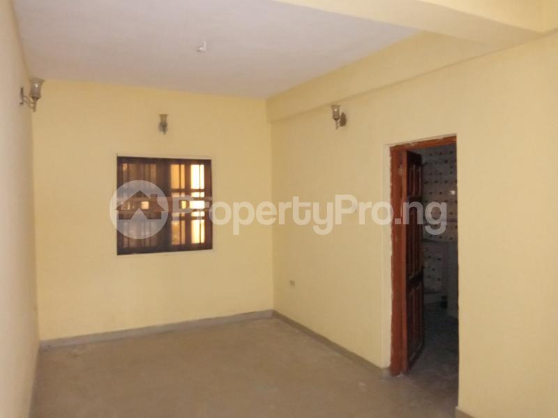 3 bedroom Blocks of Flats House for rent Wright st Ebute Metta Yaba Lagos - 2