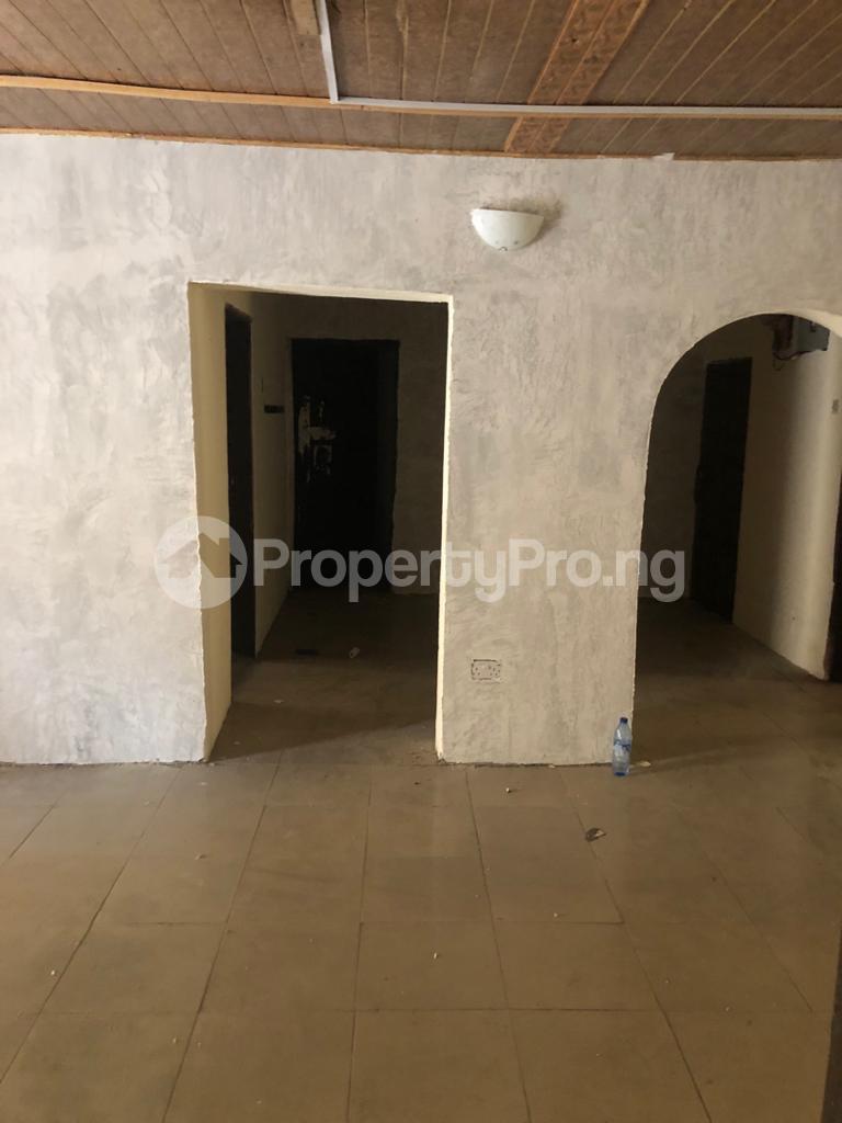 3 bedroom Flat / Apartment for rent Community Road Akoka Akoka Yaba Lagos - 11