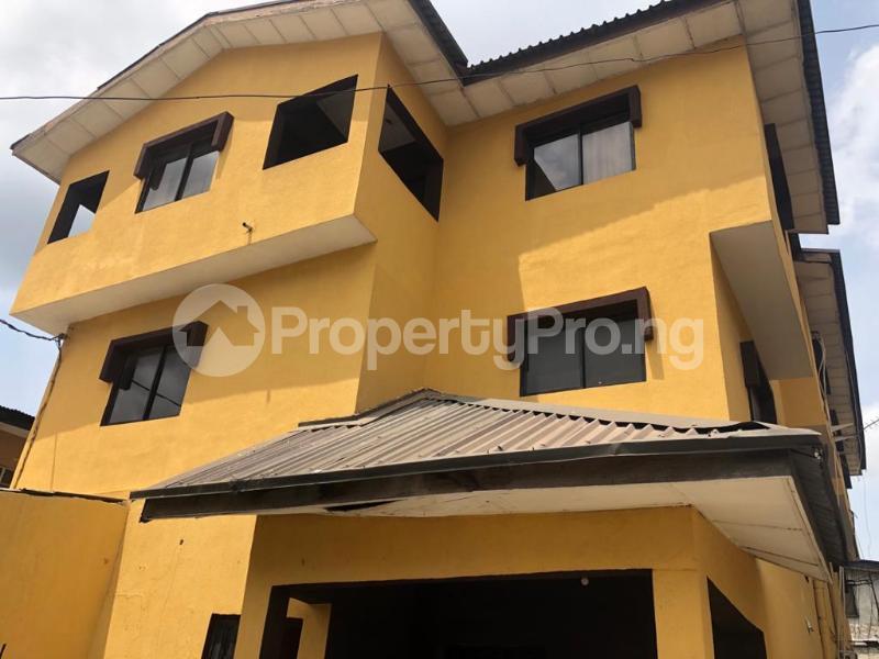 3 bedroom Flat / Apartment for rent Community Road Akoka Akoka Yaba Lagos - 0